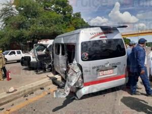 Accidente carretero en Cahuaré deja ocho heridos