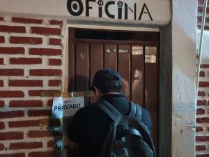 Durante diligencia de cateo FGE detiene a presunto pederasta en Cacahoatán