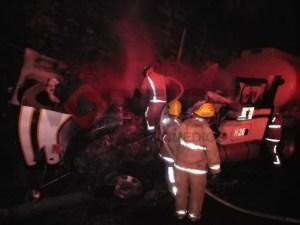Muere calcinado ayudante de trailero en su camarote