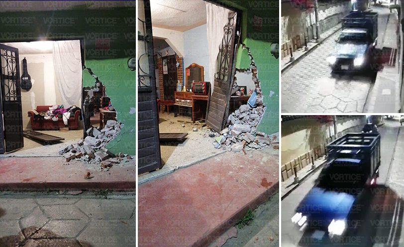 Conductor derriba fachada de vivienda en San Cristóbal y huye
