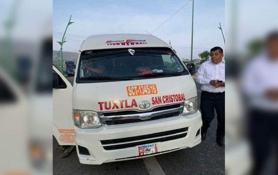 Hombres armados asaltan colectivo de Tuxtla a San Cristóbal