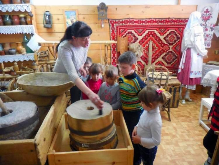 Дети в краеведческом музее