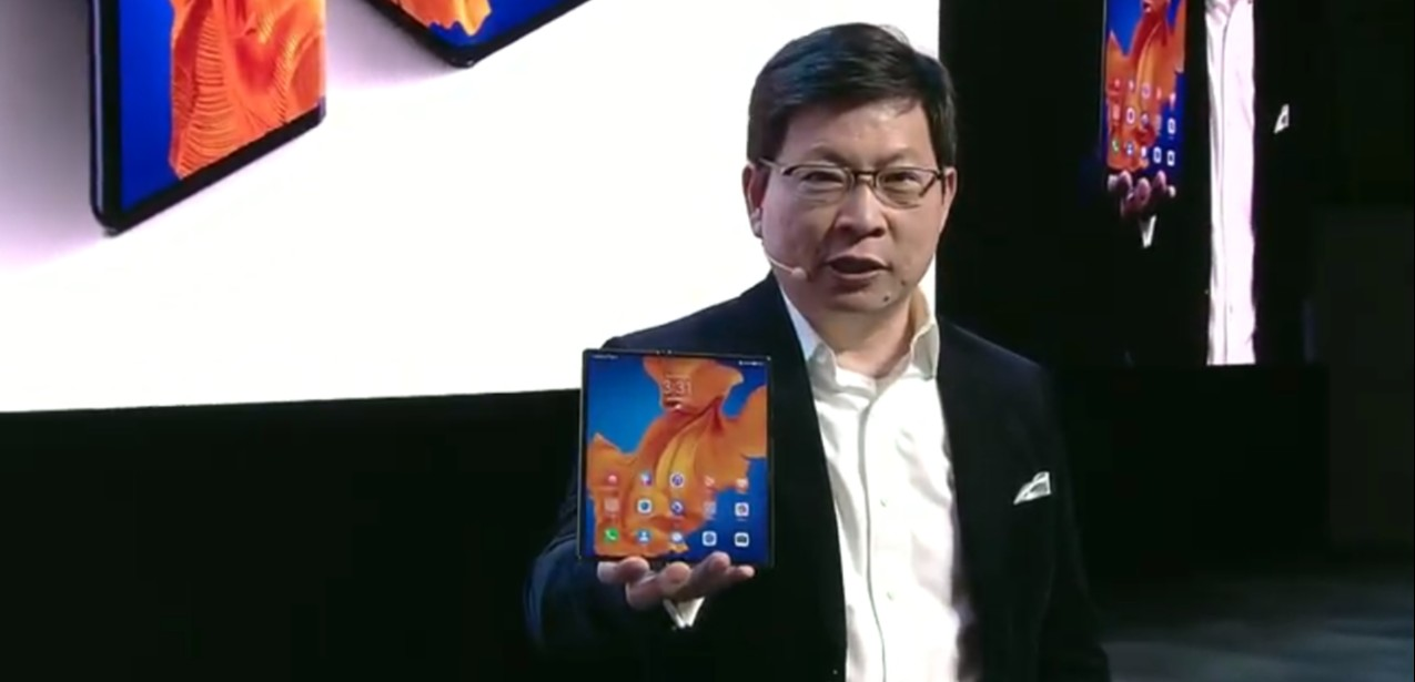 Huawei Mate X_predny pohlad
