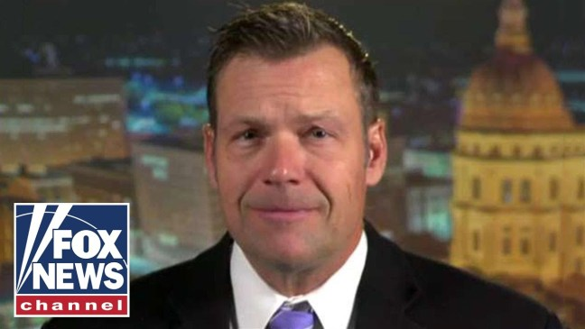 Kris Kobach slams immigration 'loophole' as ICE continues to release 'thousands' of asylum-seekers i
