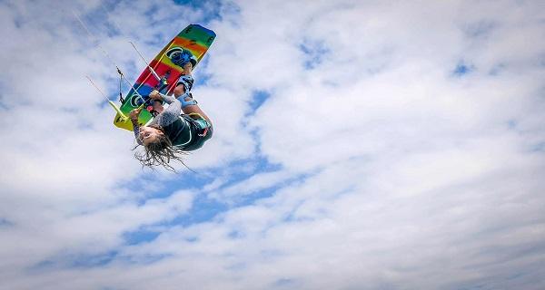 S'initier à un sport de glisse à sensation dans une école de voile - le kitesurf