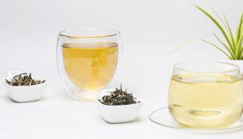 WHITE-TEA-VS-GREEN-TEA
