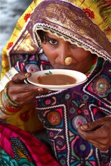 a1e02b4b67eac6c30bb89bcd2a6e6028--sipping-tea-mother-india