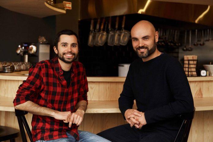 António Carvalhão e João Ferreira, os dois amigos aficionados do ramen