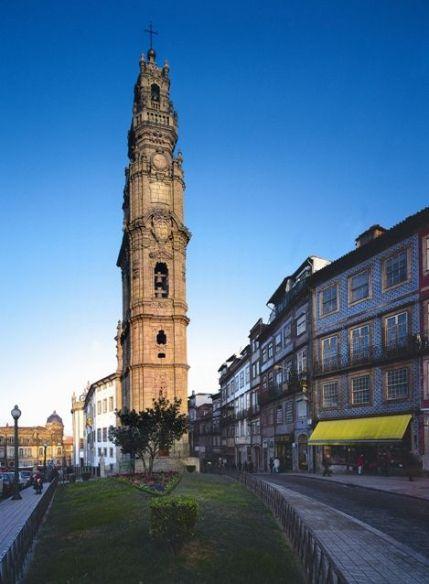 Torre dos Clérigos no Porto, Portugal