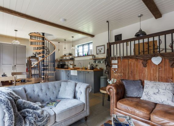 Luxury Forest Barn, com a anfitriã Nicole (Inglaterra, Reino Unido)