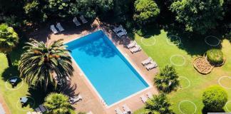Piscina e jardim do Lisbon Marriott Hotel