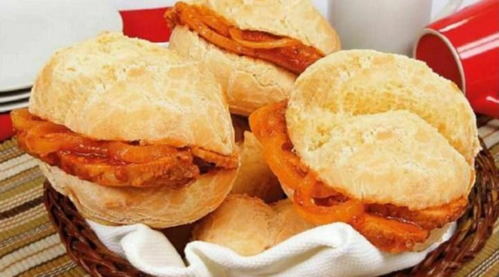 Pão de queijo recheado com lombo, especial comida de boteco