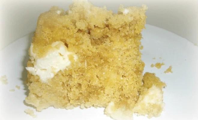 Cuscuz de fubá, com queijo canastra e rapadura