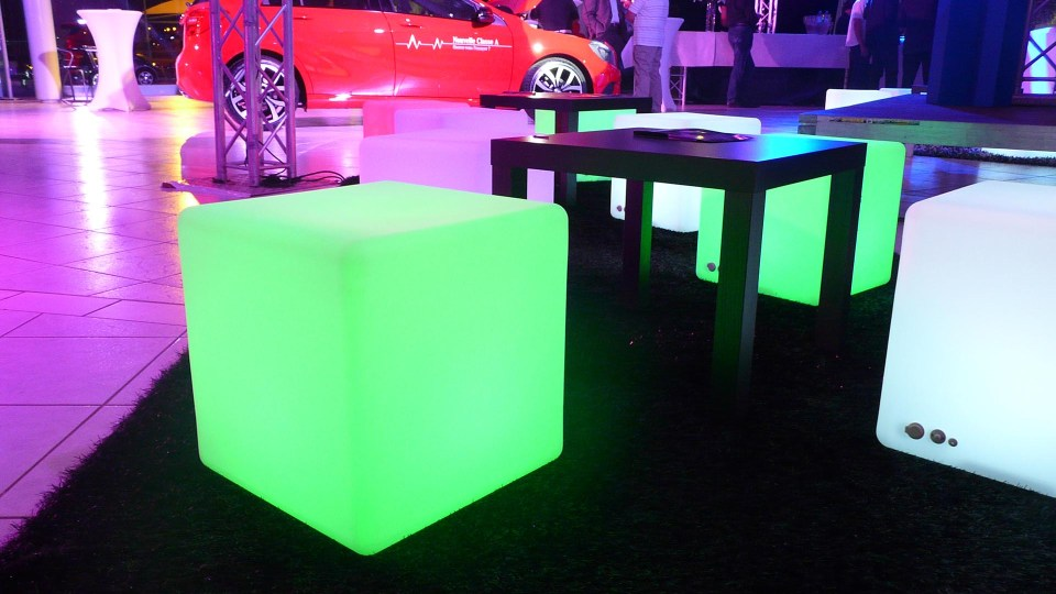 Cube d'assise lumineux à LED