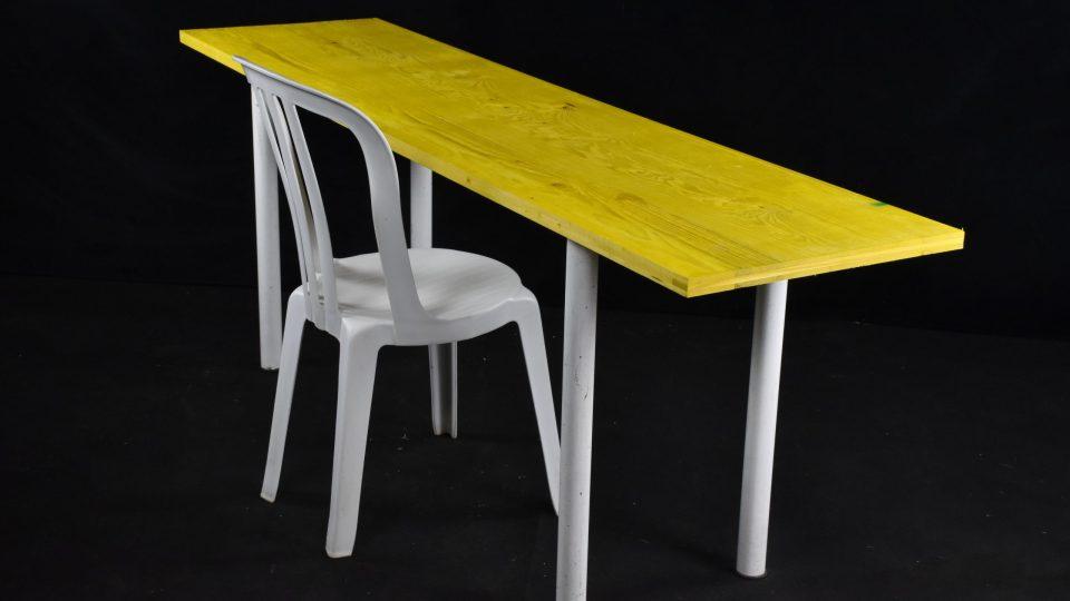 Table démontable en bois