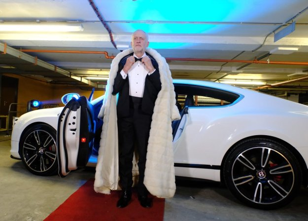 Jeremy Corbyn arrives at Channel 4 for last night's live broadcast of The Last Leg. Do you think he was having a dig at David Cameron's comments about his dress sense?