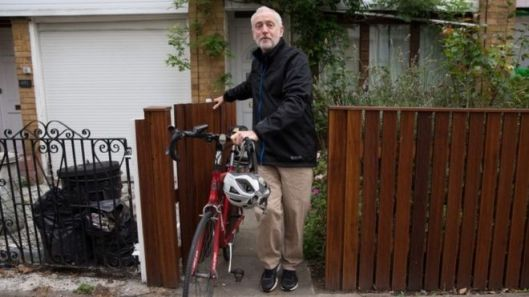 Mr Corbyn, who is engaged in his second party leadership race, leaves his home in Islington. Apparently it was the best image the BBC could find to support this story [Image: Getty Images].