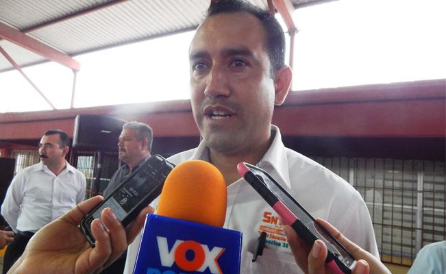 SNTE Reynosa entrega lentes a agremiados