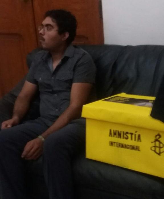 Amnistía Internacional recolecto firmas para pedir justicia para la joven Karla Pontigo Lucciotto.