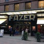 """【ヘルシンキ観光】フィンランドで人気のチョコレート屋さん!ファッツェルのカフェ""""Fazer Cafe""""!"""