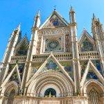 """【イタリア観光】フレスコ画がきれい!建築に300年もかけた壮大で美しすぎる""""オルヴィエート大聖堂""""!"""