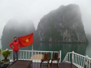 Tout est là : le vietnam, la baie et surtout Steph !