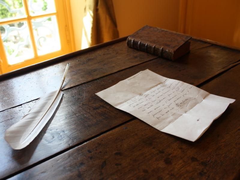 Table de Travail, Montmorency, Musée Rousseau - Montmorency © Amand Berteigne