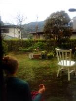 une petite medit dans le jardin