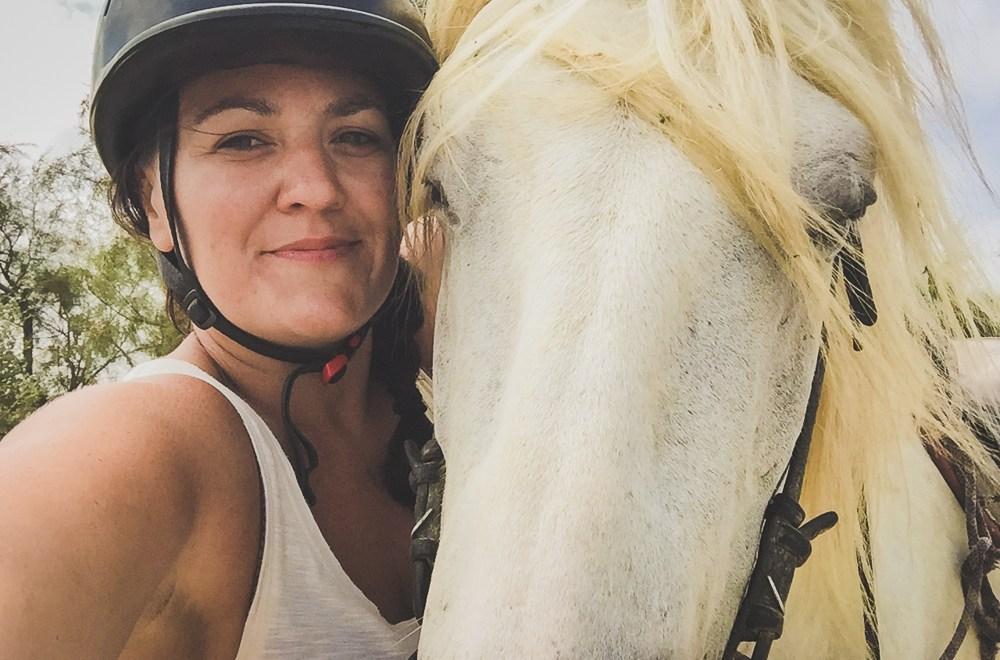 cheval camargue selfie