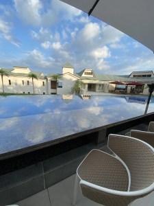 伊豆ホテル リゾート&スパ 足湯のあるアクアテラス