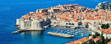 Gyphjolik montre la partie historique du port Croate