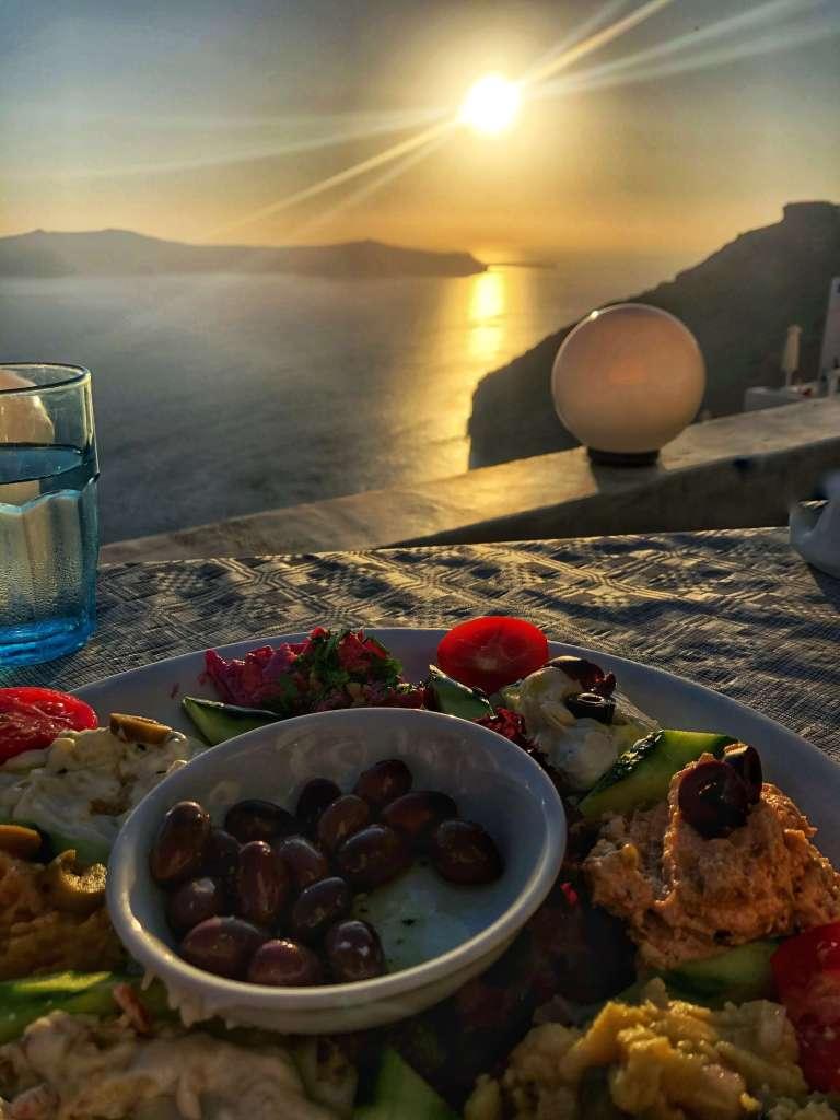 Remvi-restaurant-Santorin