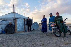 Saranbaatar, Tsetsegbat, Batjargal et les autres (MG) - Altai Gobi, MONGOLIE