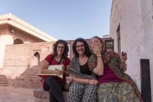 Maude (CA), Sophie (CA), Elise (FR) - Panchla Siddah, INDE