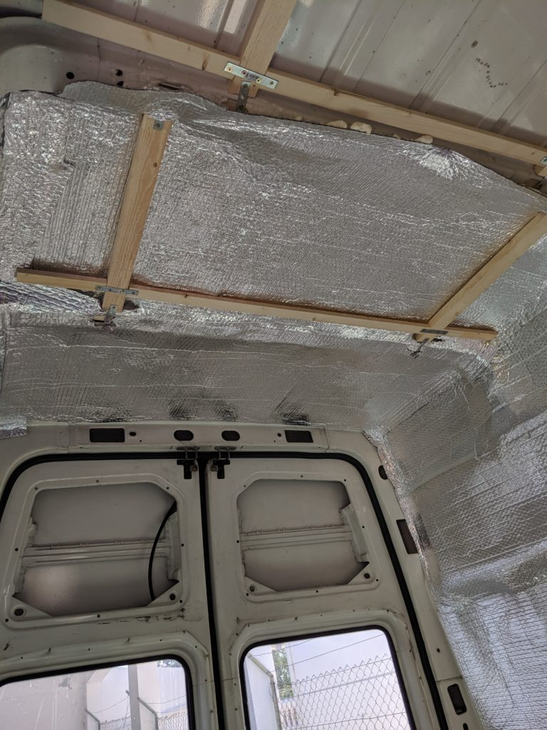 Habillage van plafond PVC