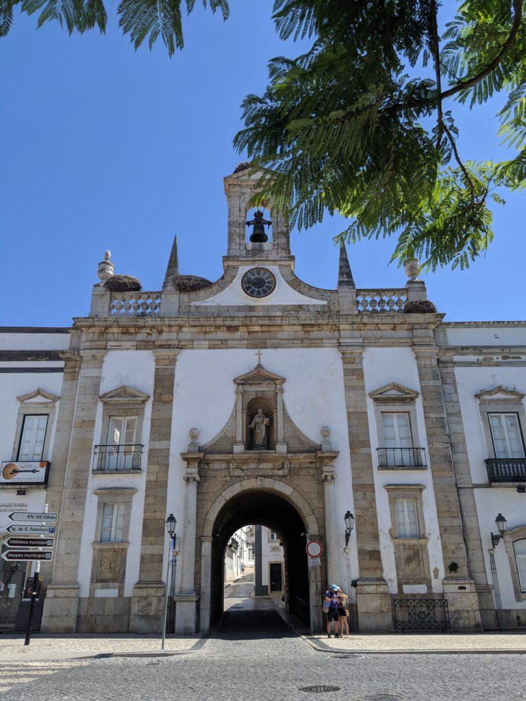 Porte de la vieille ville de Faro