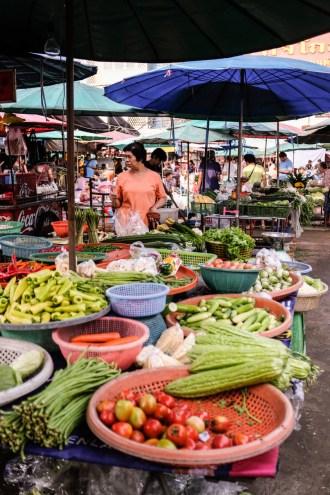 Visiter Bangkok autrement et aller voir le marché Nonthaburi