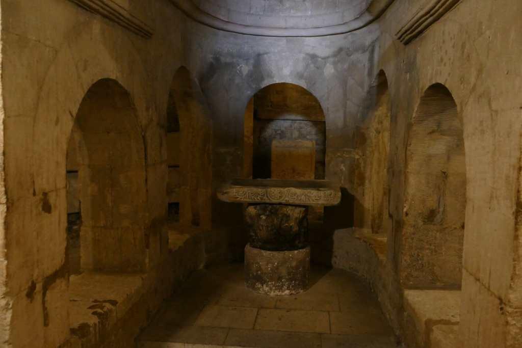 Apt, cathédrale Sainte Anne - crypte supérieure