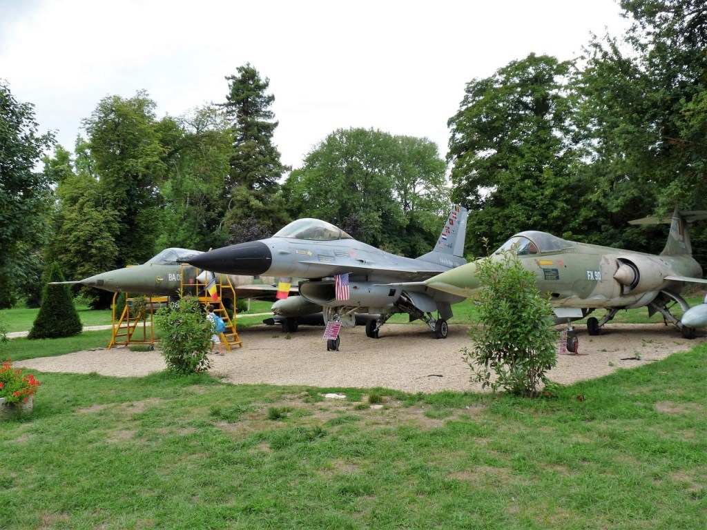 Château de Savigny-lès-Beaune - Armée de l'air belge - Mirage V - F16 - F104