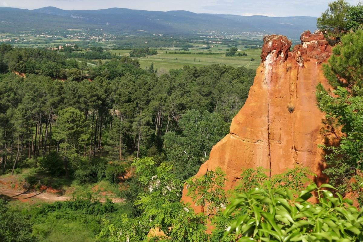 Roussillon, village des ocres dans le Vaucluse