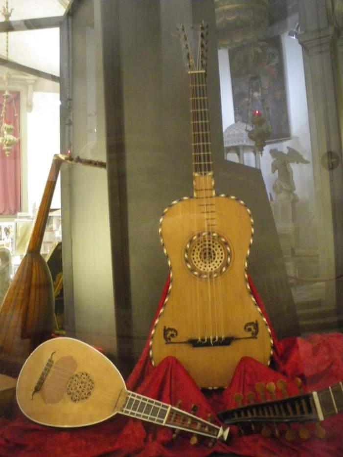 Des instruments de musiques aux formes souvent surprenantes...