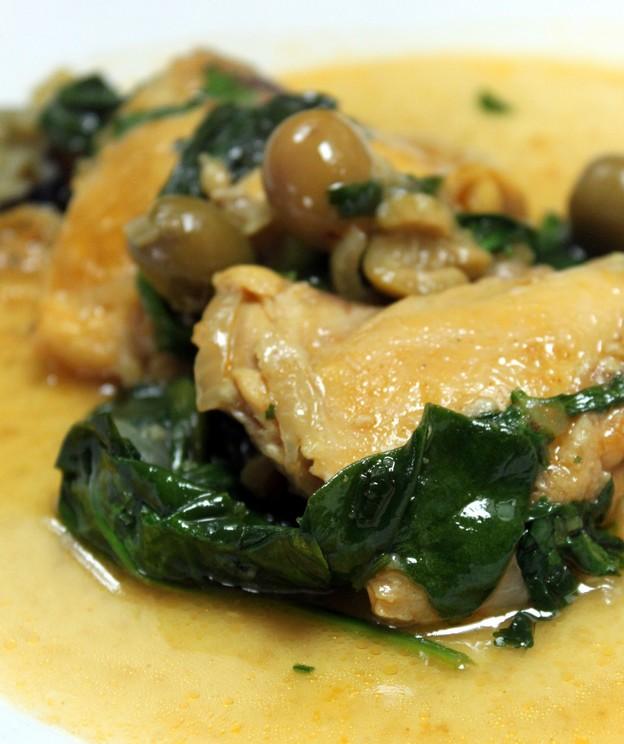 Recette de tajine de poulet aux poires et à la cannelle (Cuisine maghrebine) 1