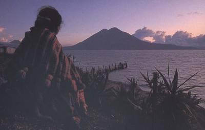 guatemala-lac-attitlan.1281187689.jpg
