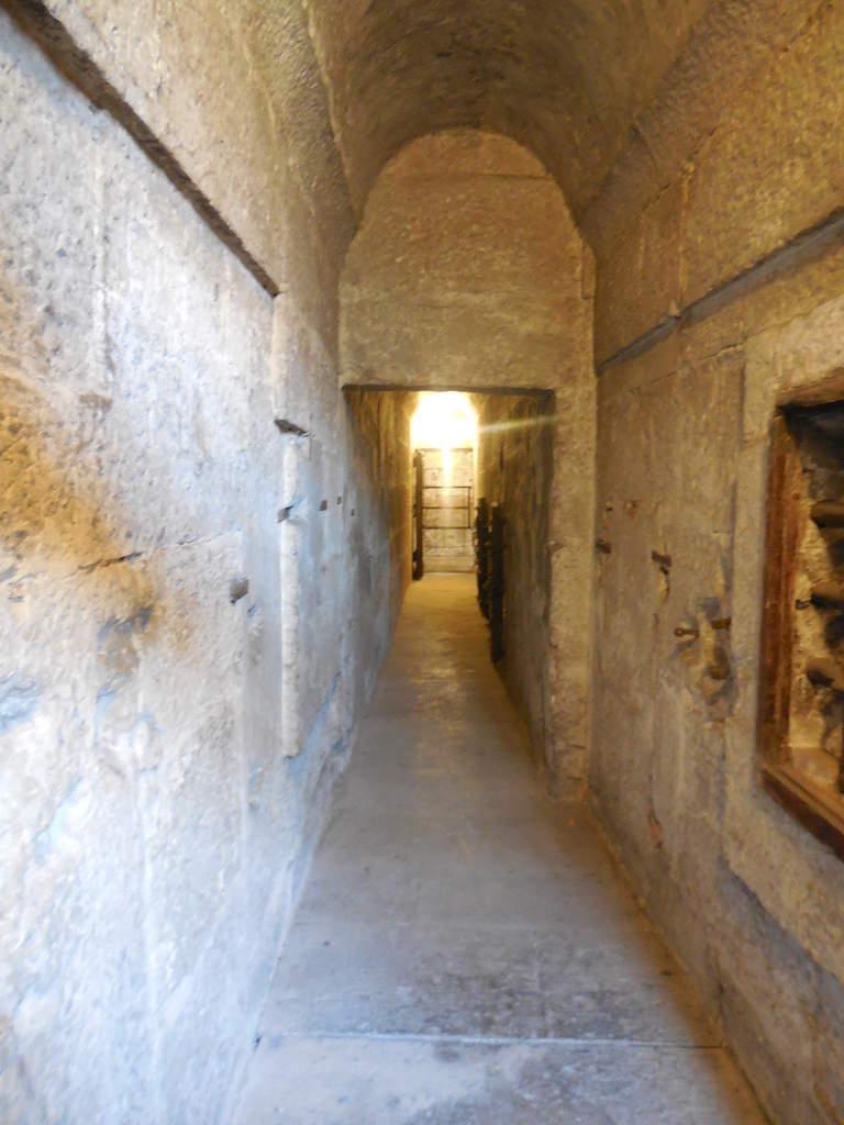 Effrayant à l'idée que des prisonniers étaient enfermés dans des espaces aussi restreints!