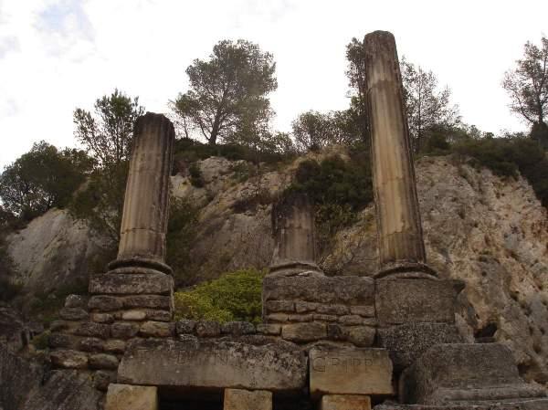 Saint-Rémy-de-Provence : plateau des Antiques et site archéologique de Glanum 14