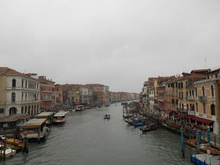 Le grand canal depuis le pont du Rialto.
