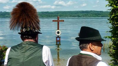 Hommage à Ludwig II, Louis 2 de Bavière, au lac Starnberg en Haute Bavière 10