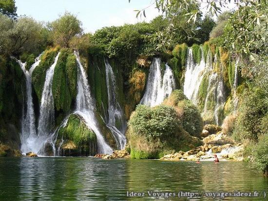 Kravice : lac et parc naturel de chutes en Bosnie-Herzégovine 3