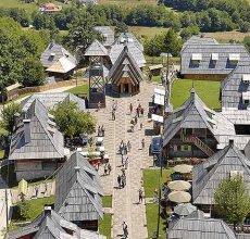 Kustendorf Dvengrad village de Kusturica à Mokra Gora