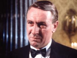 Robert Stephens Kurt Dorf, oncle d'Erik